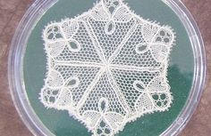 Petits mais exquis ! Bayeux, Needle Lace, Symbols, Beads, Blog, Pictures, Needlepoint, Japanese Embroidery, Book Markers