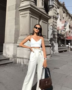 Stylish Spring Outfits Ideas To Wear Now - Summer Outfits Paris Outfits, Spring Outfits, Europe Outfits Summer, Paris Spring Outfit, Travel Outfit Summer, Summer Fashions, Classy Outfits, Trendy Outfits, Fashionable Outfits