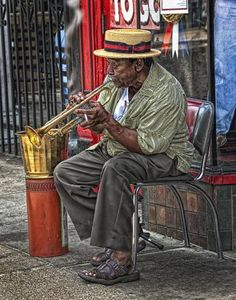 New Orleans street muscian