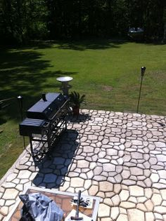 Patio Done With Concrete Mold (QUIKRETE Country Stone Walk Maker Concrete  Mold) A 80lb