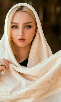 Beautiful Muslim Women, Beautiful Hijab, Beautiful Eyes, Iranian Beauty, Muslim Beauty, Persian Girls, Jolie Photo, Muslim Girls, Woman Face