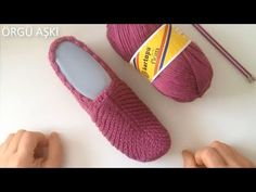 YouTube Knitted Booties, Crochet Boots, Crochet Slippers, Knit Crochet, Crochet Designs, Crochet Patterns, Knitting Videos, Sock Shoes, Baby Knitting