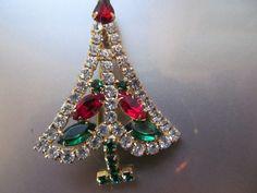 vintage rhinestone christmas tree brooch.