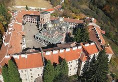 10 Amazing Christian Monasteries: Rila Monastery http://www.touropia.com/amazing-christian-monasteries/