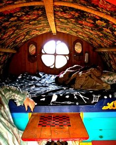 The Flying Tortoise: A Man Called Bear And His Gorgeous Little Gypsy Caravan...