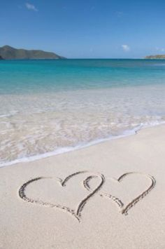 Writing a eulogy for a sister can help relieve the grief and make it easier to handle the situation. Reading a sample eulogy for a sister. Heart In Nature, Heart Art, Beach Wallpaper, Love Wallpaper, Iphone Wallpaper, Beach Heart, I Love Heart, Happy Heart, I Love The Beach