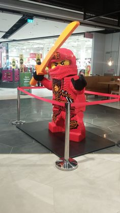 Lego art exhibition at Iso Omena shopping center