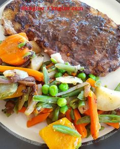 Lamb chops with olive caper and garlic served with mixed veggies #lambchops