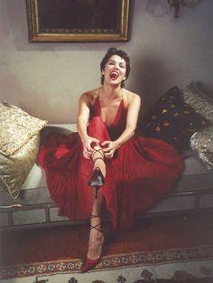 Anna Netrebko.......Maria Callas reincarnated....Roy:)