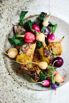 Ein leichtes Gericht aus herrlich saftigen Backkartoffeln und Radieschen mit einem frühlingsfrischen Dressing.