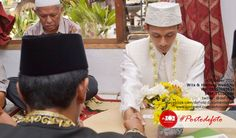 Akad Nikah Wita & Hantoro #weddingphotography by defoto | follow twitter @defoto3
