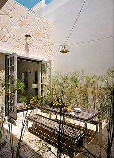 50 Small Urban Garden Design Ideas And Pictures - Shelterness - Gardening Design Small Courtyard Gardens, Small Courtyards, Small Gardens, Outdoor Gardens, Outdoor Rooms, Outdoor Dining, Outdoor Decor, Dining Table, Outdoor Furniture