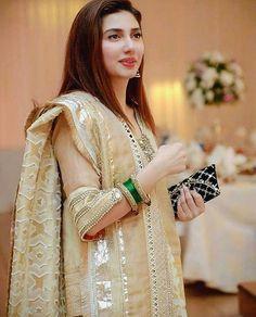 Latest Collection Of Pakistani Celebs Mahira Khan Dresses, Shadi Dresses, Nikkah Dress, Pakistani Fashion Casual, Pakistani Dresses Casual, Pakistani Dress Design, Pakistani Couture, Pakistani Party Wear, Pakistani Wedding Outfits