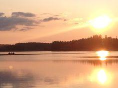 Esterin pesäpuu Finland, About Me Blog, Cottage, Celestial, Sunset, Garden, Outdoor, Outdoors, Casa De Campo