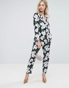 Buy Oasis Floral Print Blazer & Trouser Co-Ord at ASOS. With free delivery and return options (Ts&Cs apply), online shopping has never been so easy. Get the latest trends with ASOS now. Dressy Casual Wedding, Dressy Casual Outfits, Cute Outfits, Blazer Batik, Blazer Floral, Co Ords Outfits, Oasis, Trouser Co Ord, Dress Suits