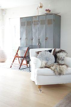 Une maison parfaite en Suède; LOVE the lockers