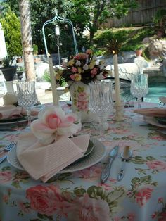 STARSHINE CHIC : A Mothers Day tablescape