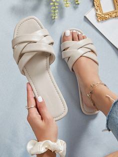 Strappy Sandals Outfit, Shoes Flats Sandals, Stylish Sandals, Cute Sandals, Fashion Sandals, Strap Sandals, Beige Sandals, Fancy Shoes, Cute Shoes