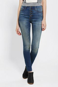 An essential: BDG Twig High-Rise Jean in Indigo Sunset. Only Jeans, Best Jeans, Jean Outfits, Fashion Outfits, High Rise Jeans, Shorts, Dress Codes, Super Skinny, Style Me