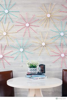 Creative Repurposed DIY Wall Art Ideas | http://diyready.com/diy-wall-art-you-can-make-in-under-an-hour/