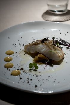 Basque Country is paradise for gourmands. Hardly any other region can claim so many Michelin-starred restaurants as operate as in Euskadi, the Basque name for their homeland. Here are my tips for a gourmet tour. Basque Country, Wine Country, Rioja Wine, Foodie Travel, Ethnic Recipes, Homeland, Restaurants, Store, Gourmet