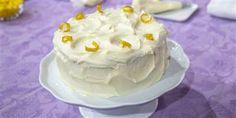 Lemon Velvet Cake Your mom deserves this lemon-velvet layer cake for Mother's Day Lemon Recipes, Cake Recipes, Dessert Recipes, Lunch Recipes, Cupcakes, Cupcake Cakes, Cupcake Decoration, Lemon Velvet Cake, Fluffy Cream Cheese Frosting