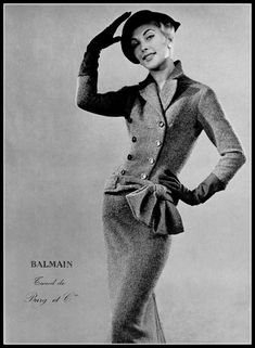 Geneviève Richard in tweed two-piece by Pierre Balmain, photo by Georges Saad, 1955 Vintage Fashion 1950s, Sixties Fashion, Vintage Couture, Vintage Mode, Retro Fashion, Vintage Style, 50s Vintage, Classic Fashion, High Fashion