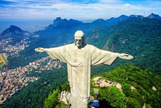 Aerial view of Statue of Christ the Redeemer (Cristo Redentor ...