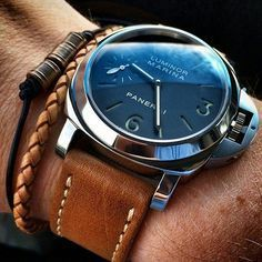 womw: The art of a wearing our Oak Panerai Style Strap on his by bandrbands from Instagram http://ift.tt/1e0uKwy #MensFashionWatches
