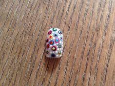 Dotter nail art