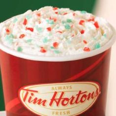 Tim Hortons Candy Cane Hot Cocoa is also really great for Winter! Hot Chocolate Bars, Hot Chocolate Recipes, Christmas Drinks, Christmas Desserts, Christmas Time, Cafe Delight, Tim Hortons, Free Candy, Copycat Recipes