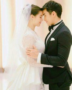 LLSR Thai Princess, Sweet Couple, Actor Model, Celebrity Couples, Wedding Photoshoot, Woman Crush, Gossip Girl, Traditional Dresses, Cute Couples