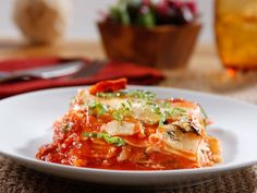 A traditional lasagna recipe meets modern no boil noodle convenience. Try this quick and easy oven-ready lasagna with Barilla Traditional Sauce tonight! Barilla Recipes, Pasta Recipes, Dinner Recipes, Cooking Recipes, Lasagne Recipes, Yummy Recipes, Warm Pasta Salad, Home Remedies, Casserole Recipes
