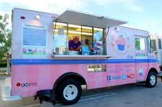 Cupcake truck! I want this!!!!