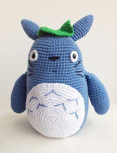 Totoro Plushie Crochet via Etsy 35 €