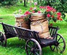 67 Favourite Spring Garden Decoration Ideas For Backyard & Front Yard - comadecor Unique Gardens, Amazing Gardens, Beautiful Gardens, Modern Landscaping, Yard Landscaping, Garden Care, Garden Beds, Spring Garden, Home And Garden