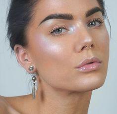JÄÄTELÖ meikki (+ vaaleat kulmat ja strösselihuulet)