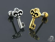Ornate key tragus or cartilage barbell