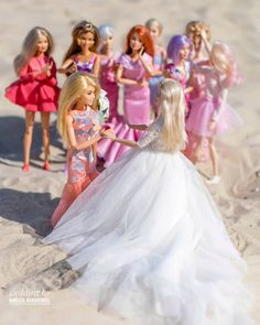 "Polubienia: 1,803, komentarze: 74 – Izabela Kwella (@bella_belladoll) na Instagramie: ""Dominic! Boquet goes to Dominic. This doll got her name after my friend @dollsofmine.05 because…"" Barbie Wedding Dress, Barbie Dress, Barbie Stories, Diy Barbie Clothes, Boquet, Barbie Dream House, Halloween Cookies, Cool Items, Wedding Gowns"