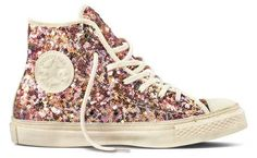 I think that converse sneakers are one of the best shoes ever made, but bedazzled converse?!! That just takes the cake.
