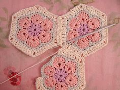 African Flower Hexagon: Join as you go - from Heidi Bears