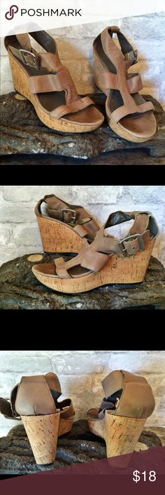 Nine West strappy wedges Cute Nine West snappy wedges. Gently used with just a little scruff mark you can see on the back of the heel in one of the pics. The wedge is about 3.5 inches tall. I am a top-rated seller and fast shipper 🎉🎉 Nine West Shoes Wedges
