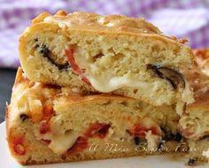 """Torta alla #parmigiana di melanzane: una #torta salata soffice e """"parmigianosa""""! Tante #melanzane e un impasto lievitato molto fluido.. una bontà!"""