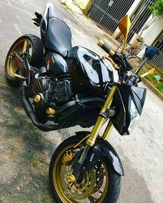 "Sonho_sobre_2_rodas™ on Instagram: ""@rex2501 Parceiros➡️ @motos_um_sonho_ @motos_esportivasofc @grau_660 @4cilindros_1sonho @familia4cilindros_ @62daleste @4_canecos…"" Super Bikes, Moto Wallpapers, Honda Scrambler, Cb 500, Galaxy Wallpaper, Cbr, Cool Bikes, Motorcycle, Vehicles"