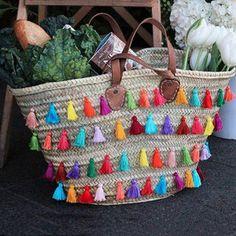 Un panier décoré de pompons - Marie Claire Idées