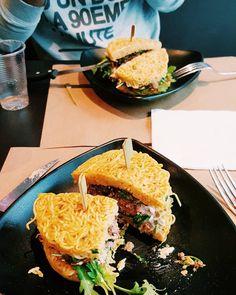 Toujours bon de se faire un Ramen Burger pour bien débuter la semaine toujours aussi subtile & bon on approuve !