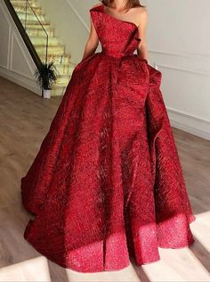 Image may contain: 1 person, standing Fancy dresses - Fancy prom dresses - Evening party dresses Ball Dresses, Ball Gowns, Prom Dresses, Elegant Dresses, Pretty Dresses, Couture Dresses, Fashion Dresses, Red Wedding Dresses, Beautiful Gowns