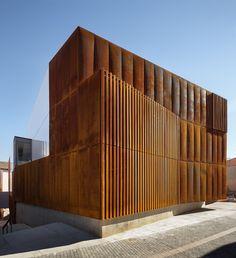 Balaguer Courthouse / Arquitecturia Carrer de Girona, 25600 Balaguer, Lleida, España