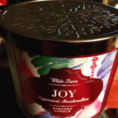 Peppermint Marshmallow  JOY!! Love this candle!❤️❄️