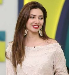 white dress collection ❤in. ✨**unique in white** board created by **Haya Maik** ✨ Pakistani Long Hair, Pakistani Bridal Makeup, Mira Khan, Mahira Khan Dresses, Easy Party Hairstyles, Punjabi Girls, Prettiest Actresses, Bridal Photoshoot, Wedding Dresses For Girls